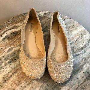 Gianni Bini size 8.5 flats beige shoes